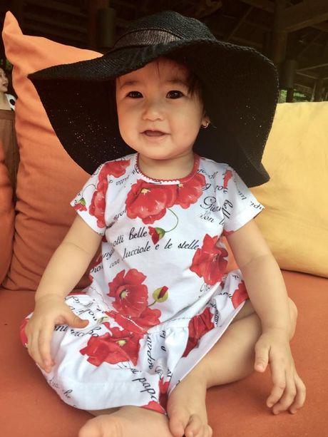 Vo chong Ha Kieu Anh dua 4 con di nghi duong - Anh 5
