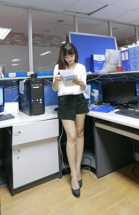 MC 9X xinh dep lam vo trung ve Dai Dong - Anh 6