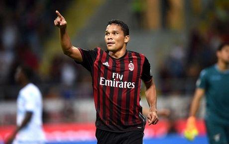 Milan 4-3 Sassuolo: Ghi 3 ban trong 8 phut, Milan nguoc dong ngoan muc - Anh 1