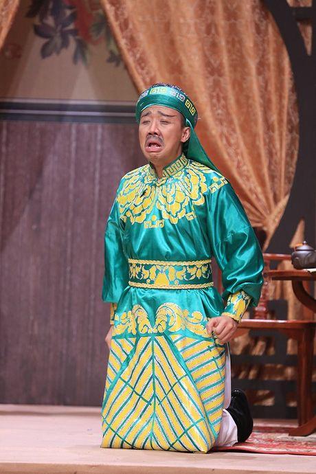 Truong The Vinh hon moi nu dong nghiep sau tin don hoan cuoi ban gai phi cong - Anh 10