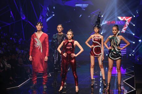 Vietnam's Next Top Model co 'them muoi' de vot vat cho mua giai nhat nhoa? - Anh 2