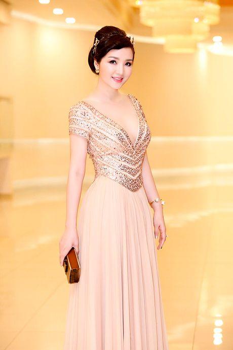 My nhan Viet U40, U50 an van goi cam quen tuoi tac - Anh 6