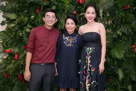 Nam Em khoe loat dam goi cam se mac tai Miss Earth - Anh 11