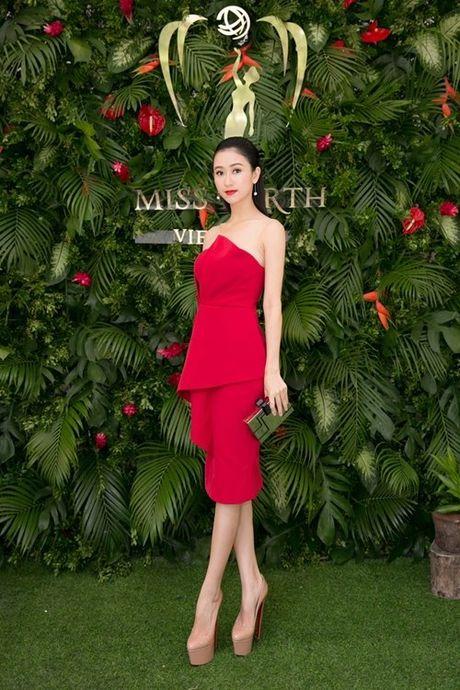 Nam Em khoe loat dam goi cam se mac tai Miss Earth - Anh 4
