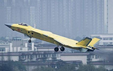 Trung Quoc 'no' tiem kich tang hinh J-20 manh hon F-22 - Anh 4