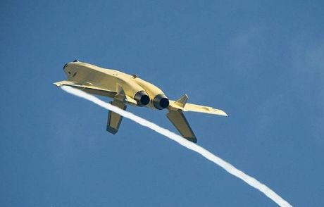 Trung Quoc 'no' tiem kich tang hinh J-20 manh hon F-22 - Anh 5
