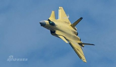 Trung Quoc 'no' tiem kich tang hinh J-20 manh hon F-22 - Anh 7