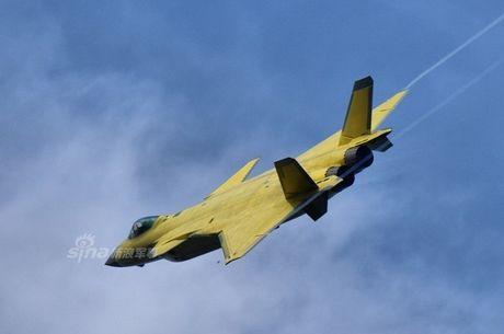 Trung Quoc 'no' tiem kich tang hinh J-20 manh hon F-22 - Anh 8