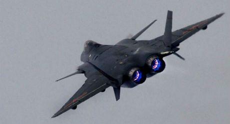 Trung Quoc 'no' tiem kich tang hinh J-20 manh hon F-22 - Anh 9