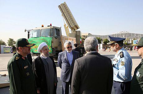 Co thuc ten lua Bavar-373 Iran vuot troi S-300 Nga? - Anh 1