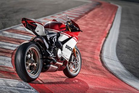 Ducati 1299 Panigale S Anniversario phien ban gioi han ky niem 90 nam - chi co 500 chiec - Anh 3