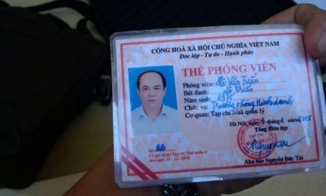Thanh Hoa: Nha bao rom nhan qua dang - Anh 1