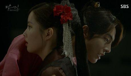 Nguoi tinh anh trang tap 12: IU tu choi loi cau hon tu Lee Jun Ki - Anh 14