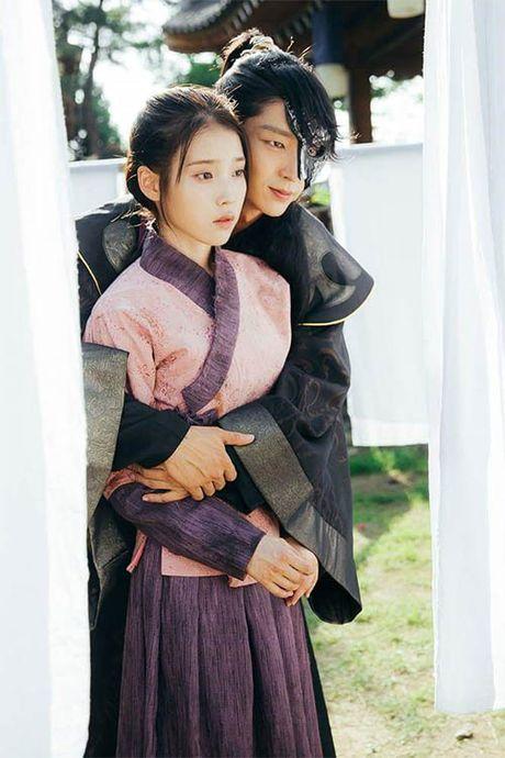 Nguoi tinh anh trang tap 12: IU tu choi loi cau hon tu Lee Jun Ki - Anh 2