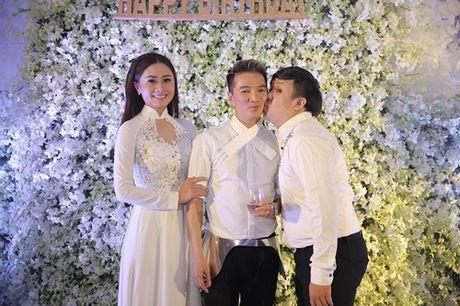 Dong dao sao Viet te tuu du sinh nhat hoanh trang cua Mr Dam - Anh 11