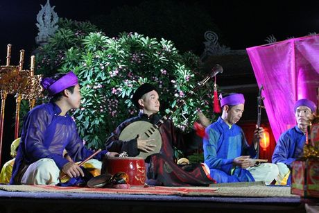 Hong Van: 'Neu khong phai Xuan Hinh, ai dam vo nguc se 'thang' show he cheo' - Anh 4