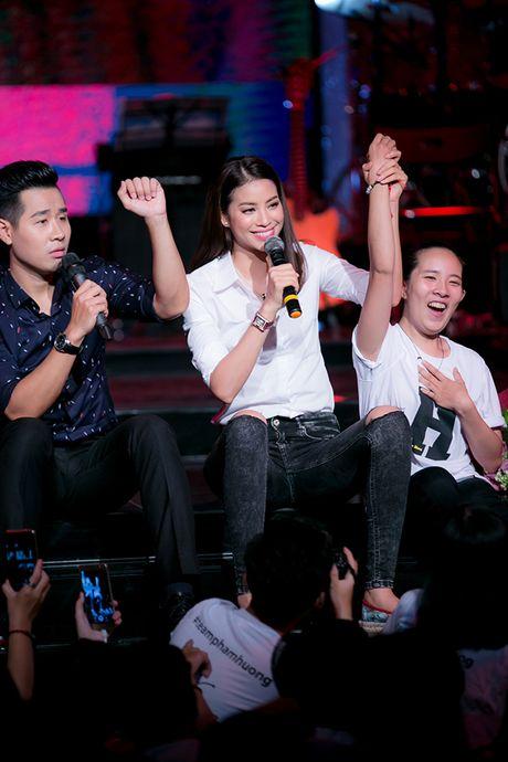 Pham Huong va hanh trinh y nghia sau 1 nam dang quang - Anh 13