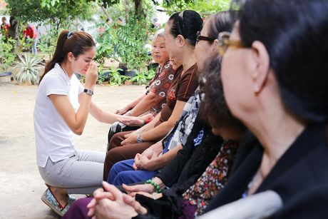 Pham Huong va hanh trinh y nghia sau 1 nam dang quang - Anh 8