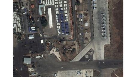 Syria: Sach bong may bay cuong kich Su-25 Nga - Anh 2
