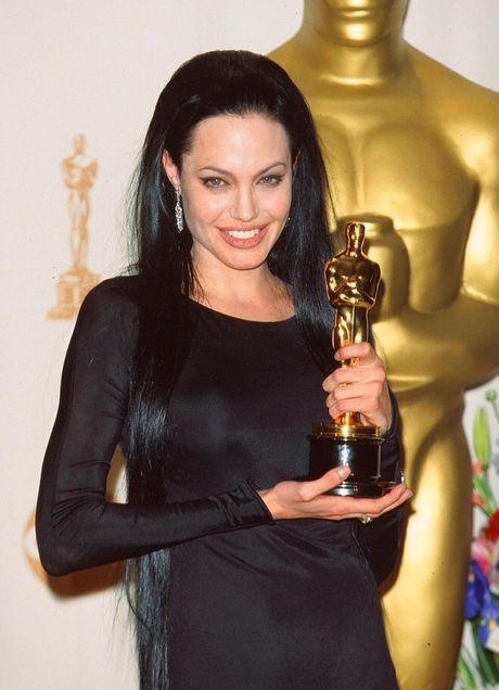 Angelina va nguoi tinh tin don cua Brad Pitt giong nhau den ky la - Anh 2