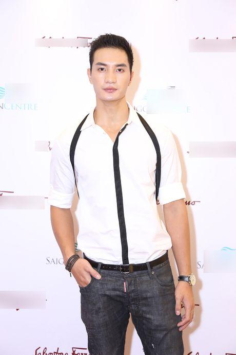 Huong Giang Idol tao bao quan khan lam ao di du su kien - Anh 8