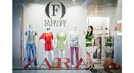 Zara vua chinh thuc mo ban online sau khi vao VN chua day 1 thang, khach hang ngoi o nha cung mua duoc quan ao - Anh 1
