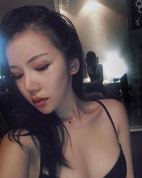 Nhan sac chan dai toan khoe lung khien trieu chang trai to mo - Anh 8