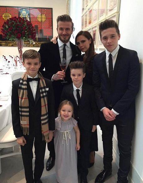 Victoria Beckham len tieng ve viec sinh con thu 5 - Anh 2