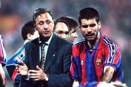 Tiet lo tu truyen cua Johan Cruyff: Barcelona suyt chut nua khien Pep Guardiola phai ra di - Anh 1
