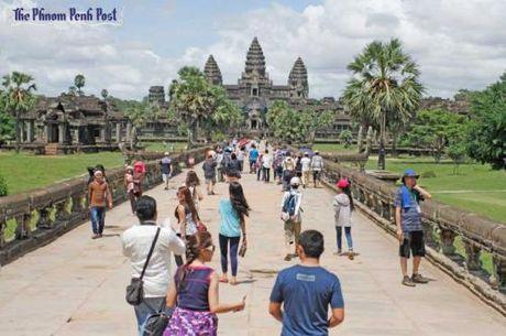 Cong vien khao co Angkor thu hon 44 trieu USD tien ban ve tham quan - Anh 1