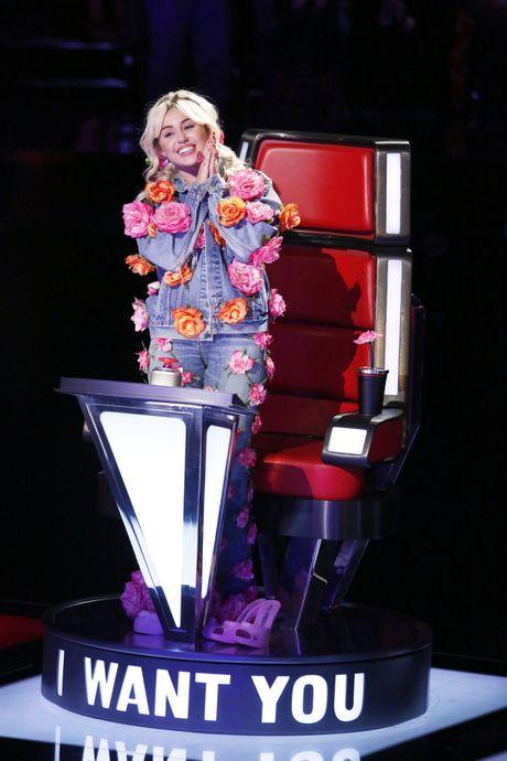 Miley Cyrus va ke hoach 4 buoc 'chien va thang' tai The Voice US - Anh 4