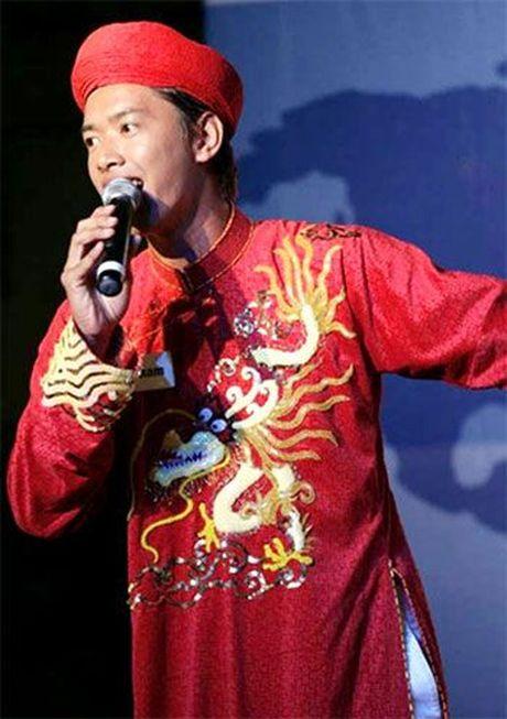 Trang phuc dan toc - niem tu hao cua mau nam tren dau truong quoc te - Anh 1