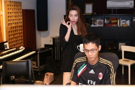 17 tieng thu live cua Ha Ho se duoc tai hien bang dung 2 nhac cu - Anh 1