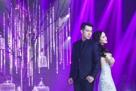 'Ban loan' vi phien ban song ca 'Trach ai bay gio' cua Dong Nhi - Do Hieu - Anh 9