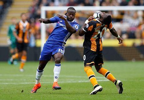 5 cau thu Chelsea duoc huong loi tu so do 3-4-3 cua HLV Conte - Anh 2