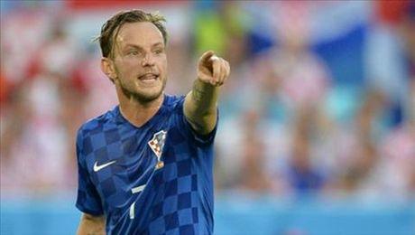 Barcelona va DT Croatia lo sot vo khi Rakitic chan thuong - Anh 1