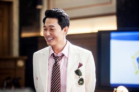 """Song Joong Ki lai dong phim cua bien kich """"Hau due Mat Troi"""" - Anh 3"""