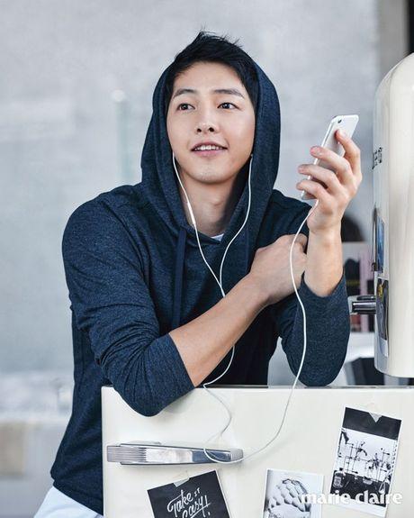 """Song Joong Ki lai dong phim cua bien kich """"Hau due Mat Troi"""" - Anh 4"""