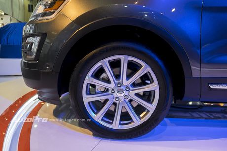 Ford Explorer: Ngoi sao cua gian hang Ford tai VMS 2016 - Anh 10