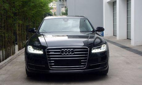 Audi A8 tai Viet Nam bi trieu hoi vi loi gay chet may - Anh 1