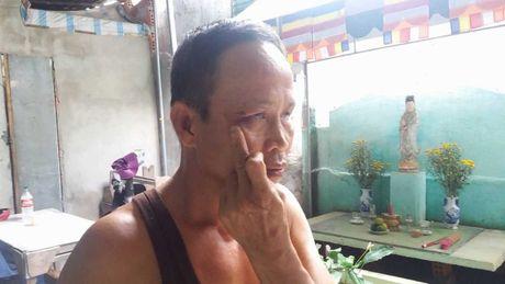 Hue: Con do hanh hung cha con Chi hoi truong hoi nguoi mu xa - Anh 1