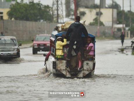 My gui tau chien toi Haiti ho tro sau sieu bao Matthew - Anh 1
