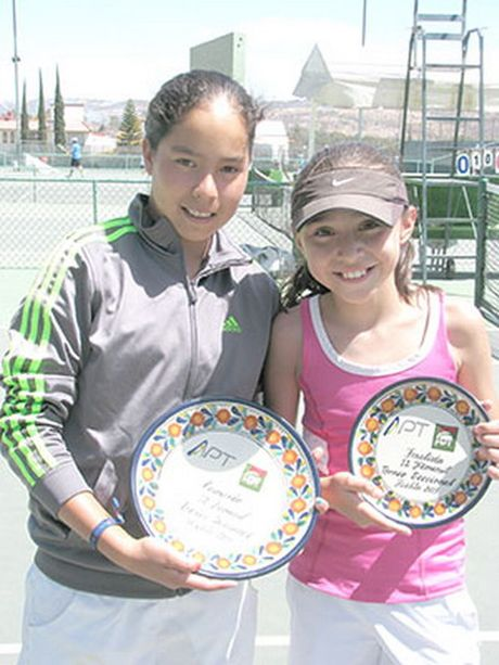 "Tay vot 13 tuoi ""lach luat"" vao vong chinh giai ITF Mexico - Anh 3"