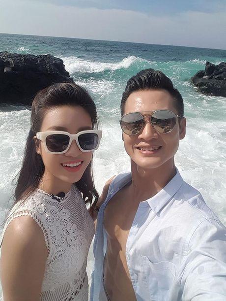 """Hoa hau Do My Linh """"tinh tu"""" voi Duc Tuan o Ly Son - Anh 2"""