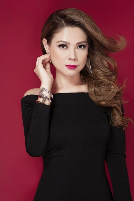 Thanh Thao khoe vai tran quyen ru o tuoi 39 - Anh 5