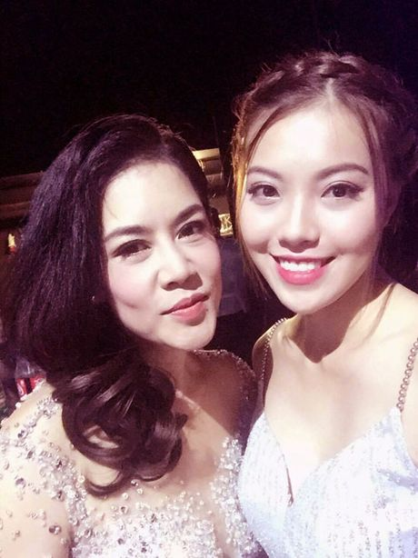 "A hau Thuy Hang gay quy ung ho ""Vong tay nhan ai"" cua ca si Khanh Ly - Anh 5"