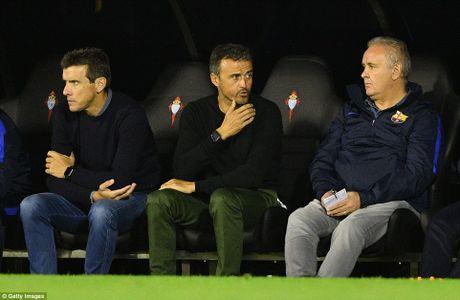 GOC NHIN: Barca thua tham khong vi vang Messi - Anh 2