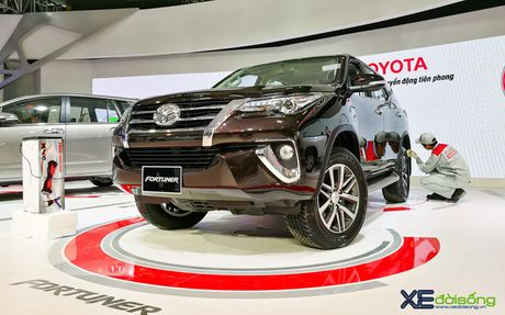 Truc tiep le ra mat Toyota Fortuner 2017 - Anh 1