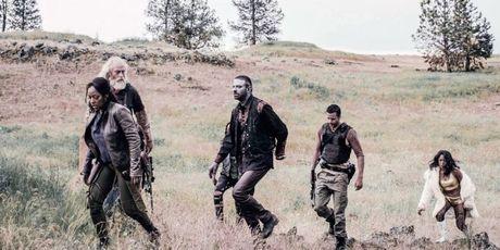 'Z Nation' tuyen bo 'The Walking Dead' tuoi…? - Anh 4