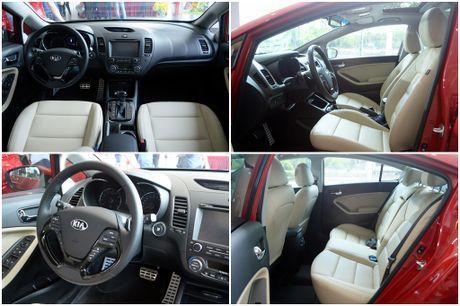 Hyundai Elantra va Kia Cerato: Cuoc dua giua nhung 'ke bam duoi' - Anh 5